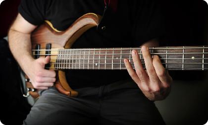 Как выбрать бас гитару